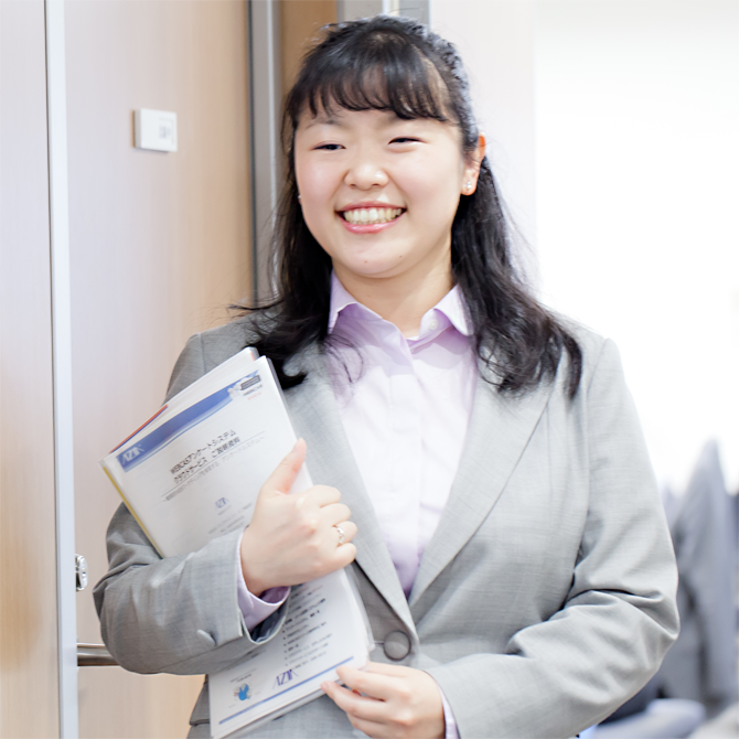 コンサルティング営業部 高波 香織 Kaori Takanami