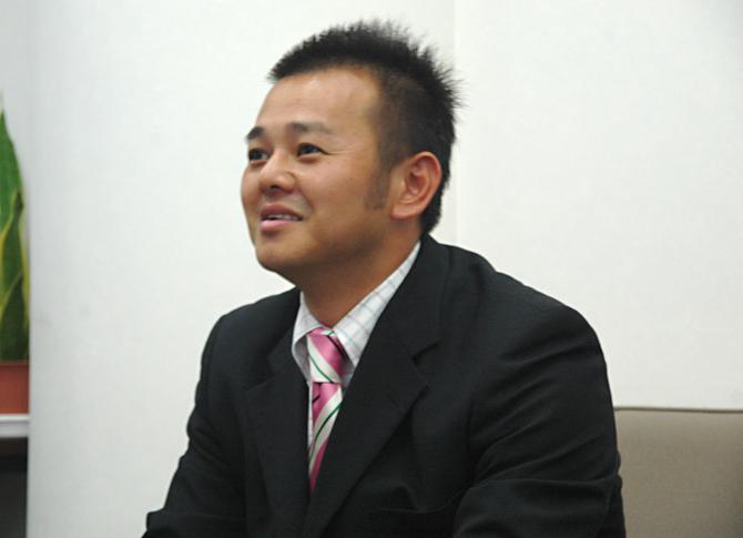 営業部 サービスセンター リーダー 作村 俊弘様